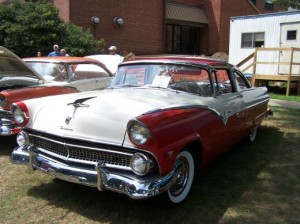 1955 Ford Crown Victoria (owner: Fred & Carol Odell)