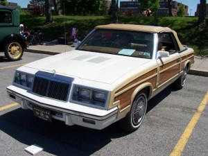 1985 Chrysler Town and Country (Debbie & Wayne Vanemon)