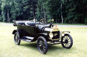 1915 Model T (owner: Mark & Diane Lewis)